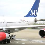 念願の買付け、北欧デザインにふれる旅、初のスカンジナビア航空にて出発☆